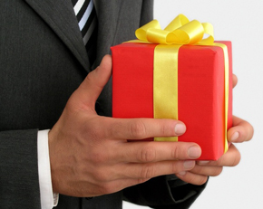 A Quick Guide: Gift Giving in Japan – Dos and Don'ts